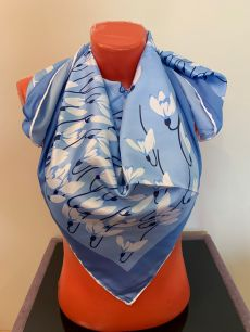 Шелковый платок Valentino (голубой) с лилиями, арт. 067