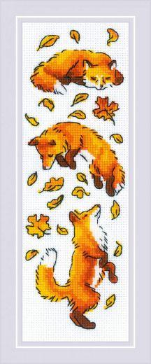 Набор для вышивания бисером Лисы в листве №1879 фирма Риолис