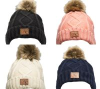 Зимняя вязаная шапка Wahlsten. С большим помпоном