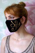 Черная женская маска с дизайнерским рисунком