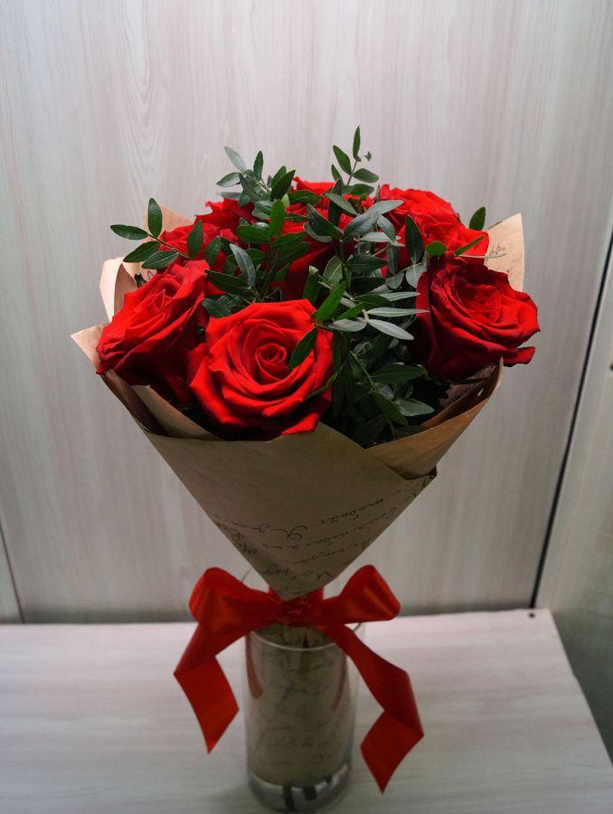 9 роз - эксплорер с писташью (60 см)