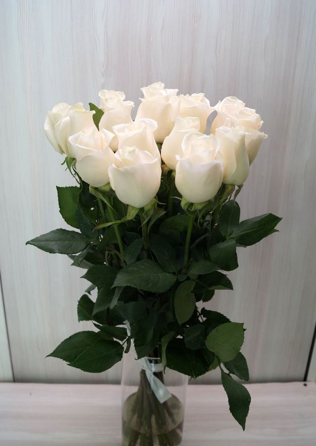 15 роз - Венделла (60 см)