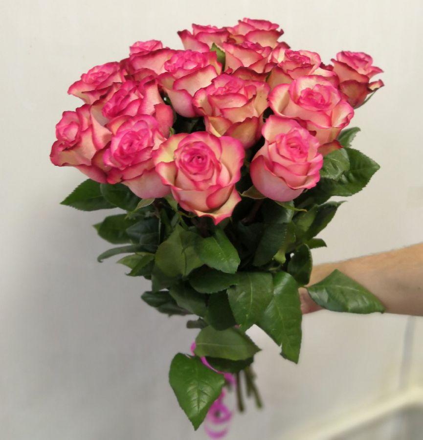 15 роз - Карусель (60 см)