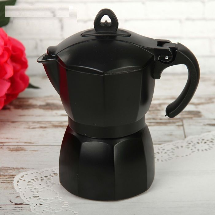 Кофеварка гейзерная Блэк на 3 чашки 150 мл алюминий