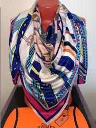 Яркий шелковый платок Hermes, арт. 059