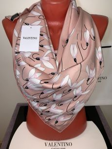 Розовый шелковый платок Valentino с лилиями, арт. 027