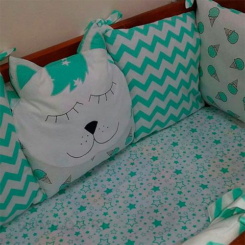 Бортики - 12 подушек на кроватку 120*60 см + простынь на резинке