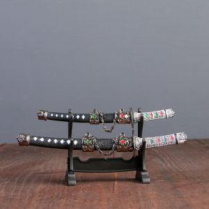 Сув. изделие катаны-мини 2в1 на подставке, ножны черные с белыми ромбами 16/20см микс 417071