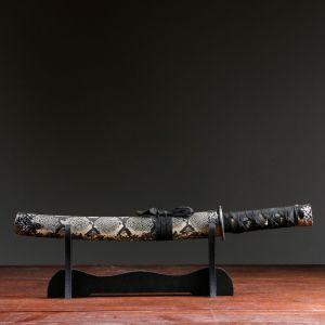 Сувенирное оружие «Катана на подставке», бежевые ножны под змеиную кожу, 41см 505130