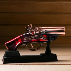 Изделие на подставке, пистолет, 4х10х18 см 2562767
