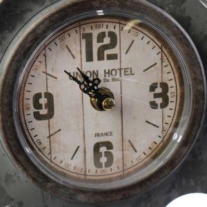 """Часы настольные """"Домик"""", серые, 13.5х24х33 см 4264382"""