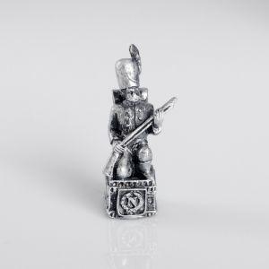 """Сувенир полистоун """"Французский солдат"""", серебряный 4457364"""