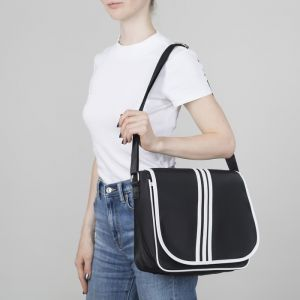 Сумка молодёжная, отдел на молнии, наружный карман, регулируемый ремень, цвет чёрный