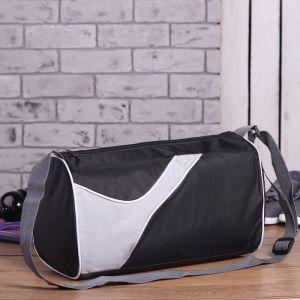 Сумка спортивная, отдел на молнии, боковой карман сетка, регулируемый ремень, цвет чёрный
