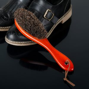 Щётка для одежды и обуви деревянная с ручкой 22,5?5,4?3,5 см натуральный ворс