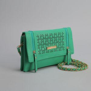 Клатч женский, 3 отдела на клапане, 2 наружных кармана, длинный ремень, цвет зелёный