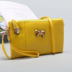 Клатч женский, 1 отдел с перегородкой на молнии, наружный карман, с ручкой, длинный ремень, цвет жёлтый