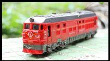 Игрушка модель тепловоза поезда ТЭП60 с подсветкой