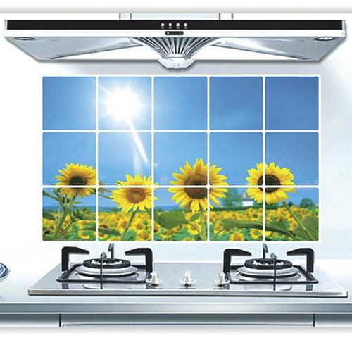 Защитный кухонный экран Kitchen Sheet, рисунок - поле подсолнухов.