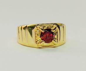 Позолоченное кольцо-печатка с искусственным рубином (арт. 260119)