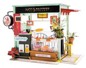 Набор для создания интерьера в миниатюре(Румбокс) «Кондитерский магазинчик» 210*135*150.