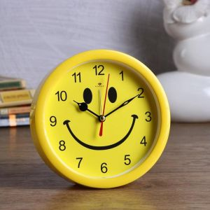 """Будильник """"Смайл"""" d=15 см, дискретный ход, желтый  4923112"""