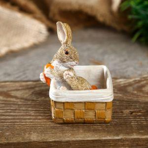 """Сувенир полистоун миниатюра """"Зайка в корзине с морковкой"""" 7х5,5х5,5 см   4128483"""