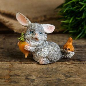 "Сувенир полистоун миниатюра ""Зайка с морковкой с птичкой на хвосте"" 5х4,5х6,5 см   4128475"