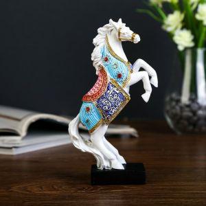 """Сувенир полистоун """"Белый конь в цветной попоне на дыбах"""" 18х10,5х4,5 см   4145577"""