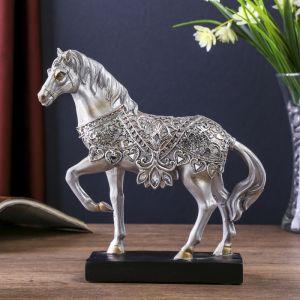 """Сувенир полистоун """"Конь на выездке в резной, ажурной попоне"""" серебро 19,2х19х5,5 см   3676918"""