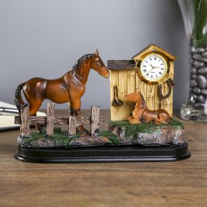 "Сувенир полистоун с часами ""Лошадь с жеребёнком"" 10,8х18,3х5 см   3741044"