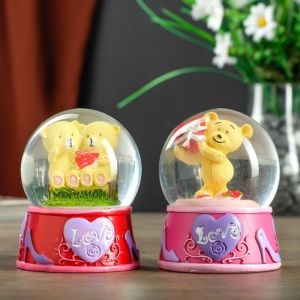 """Сувенир полистоун водяной шар свет """"Мишка с сердцем/мишки на скамейке"""" МИКС 8,5х7х7 см   4555584"""
