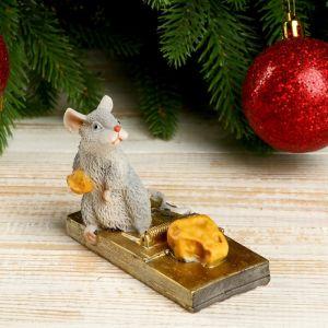 """Сувенир полистоун """"Мышка и мышеловка с сыром"""" 7,5х5,6х9,7 см   4169242"""