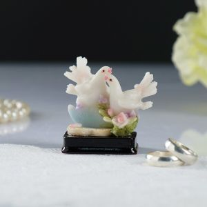 "Сувенир ""Пара голубей"", полистоун, 4,5х3,5х5,5 см, микс   4410243"