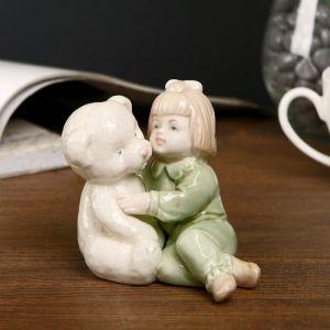 """Сувенир """"Девочка в зелёной пижамке с медведем"""" 8,5х9х6,5 см"""
