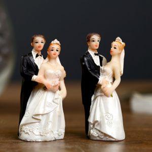"""Сувенир полистоун """"Жених и невеста - свадебный день"""" МИКС 6,2х2,8х1,7 см 2325486"""