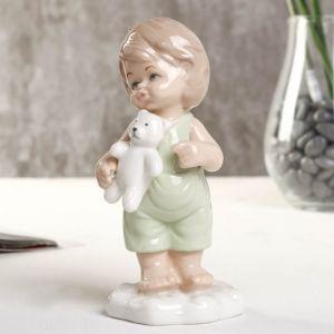 "Сувенир фарфор ""Мальчик с мишкой"" зелёный 6х6х12 см   4677401"