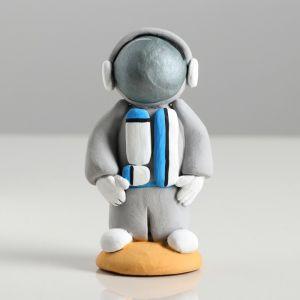 "Сувенир-статуэтка малая ""Космонавт"", 10 см, микс, керамика"
