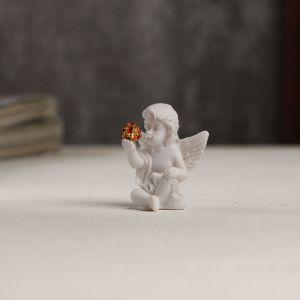 """Сувенир полистоун """"Белоснежный ангел с красным шариком"""" 3,5х3х2,2 см   4053262"""