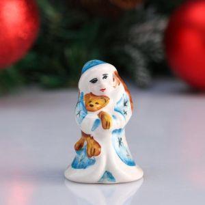 """Сувенир """"Снегурочка с игрушкой"""", 6,5 см, цветная гжель 4950600"""
