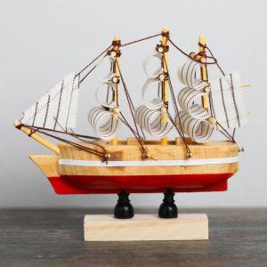 Корабль на фигурной деревянной подставке 10 см, цвета МИКС 4810994
