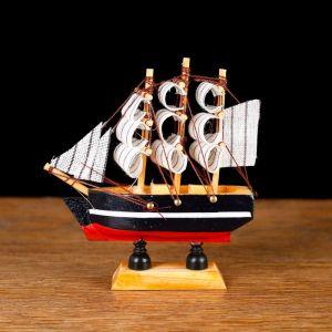 Корабль сувенирный малый «Дельфин», борта синие с белой полосой, паруса белые, 3 ? 10 ? 10 см 805884