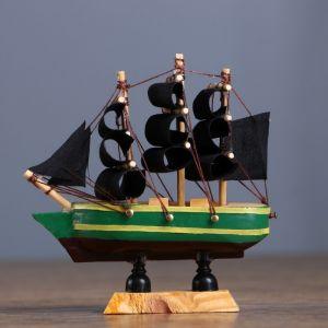 Корабль сувенирный малый «Испаньола», борта с полосой, микс, 3?10?10 см 452014