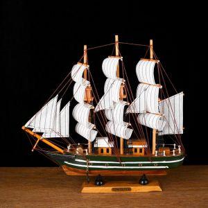 Корабль сувенирный средний «Марк», борта чёрные с белой полосой, паруса белые, 33х7х32 см 417213
