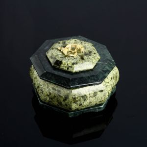 "Шкатулка ""Восьмигранная"", 9,5х9,5х6,5 см, змеевик 4022882"