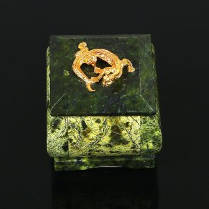 """Шкатулка """"Коронованная ящерица"""", 5х5х5 см, натуральный камень, змеевик 3956909"""