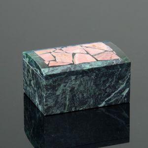 "Шкатулка ""Сундук"", малая, 10х7х6,5 см, змеевик, родонит 4204323"