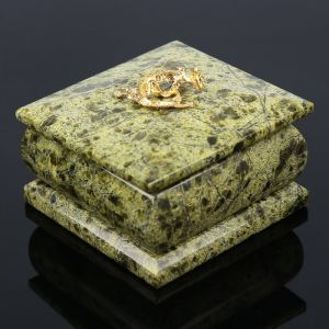 Шкатулка с ящеркой 7х7 см, змеевик 805329