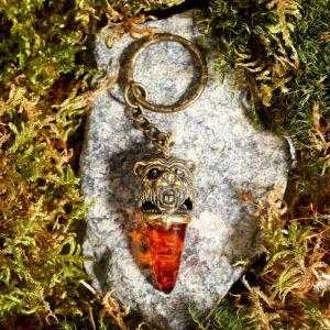 """Брелок из латуни и янтаря """"Клык Медведя"""" маленький 2х5 см   4554780"""