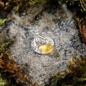 """Брелок-талисман """"Лягушка на монетке"""", натуральный янтарь, посеребрение 5088736"""
